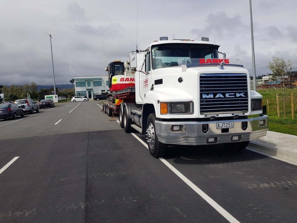 Mack CH470 x MTE transport trailer
